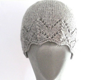 Woman's hat, handknitted with 100% Peruvian highland wool.