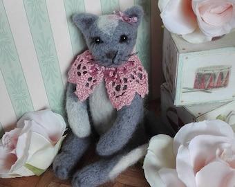 SALE 20% Charlotte - OOAK, artist cat, miniature cat, vintage cat, dollhouse cat, tiny cat,  art cat, teddy cat, Blythe