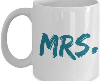 Set of 2 MR & MRS. MARRIED!  Engaged! Newlywed! Anniversary!! Celebrate your engagement or wedding beautiful 11oz white ceramic coffee cups!