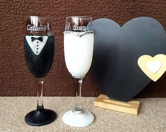 Bride and Groom glitter champagne glasses with personalised names and wedding dates - perfect wedding gift!