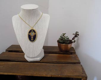 Vintage Hand Painted Wooden Pendant Necklace Russian Style