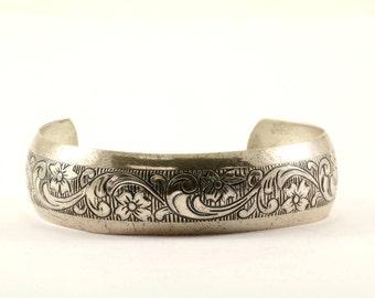 Vintage Floral Textured Design Cuff Bracelet Sterling Silver BR 184