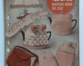 Vintage 1950's Patons knitting book 252 - koala tea cosies, afghans, doll clothes, toys