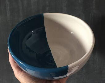 two-tone ceramic bowl