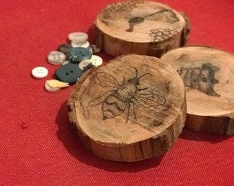Honey bee round wooden coaster/ornament set