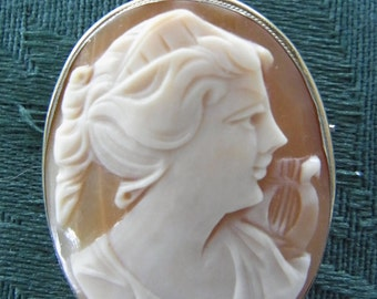 Vintage carved shell Cameo Rose Gold Brooch & Pendant with lyre Italian made