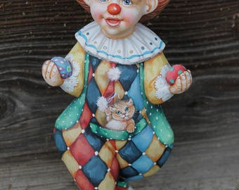 Clown pilgrim from the Russian Circus. Vintage Figurine made from Wood.Sculpture