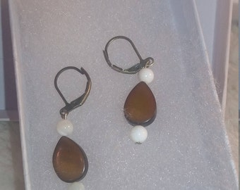 mother of pearl earrings, dyed mother of pearl earrings