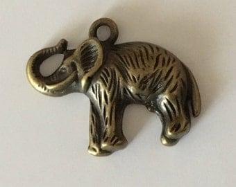 Large elephant Pendant (bronze) 20 X 30 mm