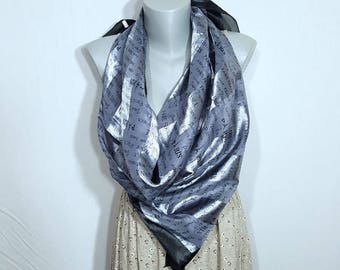 Scarf - Shawl Paris - A gift for a woman