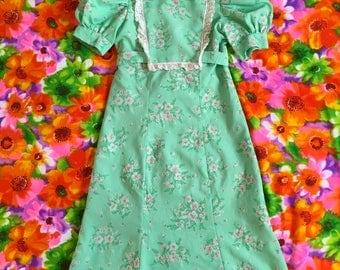 Vintage Mint Green Flocked Floral Short Puff Sleeves Peter Pan Collar Dolly Mini Dress Sweet Babydoll Lace Trim Bib