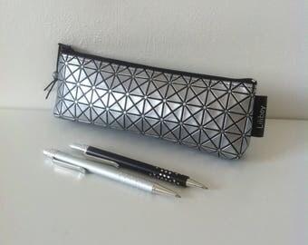 """Trousse à crayons ou pour cigarette électronique """"carré métal"""""""