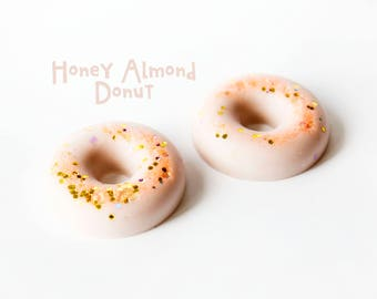 Honey Almond Donut Wax Melts (3.8 Oz) - Scented Wax Melts - Hand Poured Wax Melts - Wax Melts - Wax Tarts - Honey - Almond - Wax Donut - Wax
