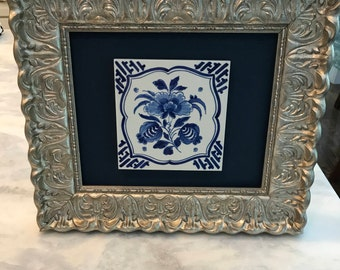 Vintage framed Delft tile (1987) flower