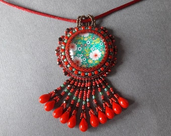 beads embroidered with glass cabochon necklace