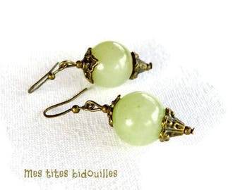 Earrings * stones and BRONZE * Jade lime green