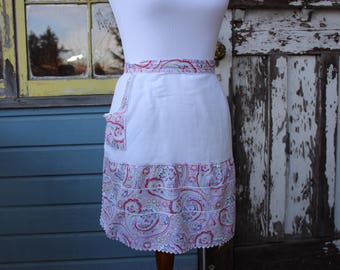 Paisley Half Apron with Pocket, White Retro Pink and Green Pattern Apron, Vintage Cotton Half Apron, Ric Rac White and Pink Cute Apron