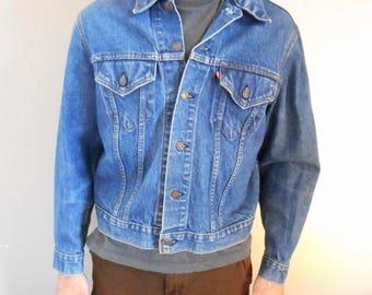 Vintage 1971-1984 Levi Jean Jacket Type III   2 Pocket Size 44  large mens Oversized Womens