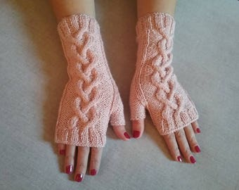 Pink mittens hand-made in wool and bamboo