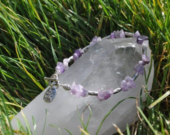 Amethyst and Daisy Beaded Bracelet