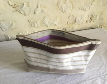 Pouch made of linen and striped cotton