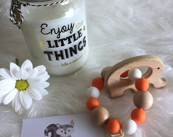 Baby teething ring - silicone and wood beads