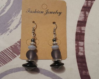 hook and bead earrings in silver, glass beads and hematite gray