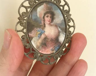 1/12 Miniature picture frame hand made in metal and high quality print 4,5 x 3,5cm aprox.