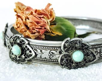 Vintage Silver Tone Engraved Bangle Bracelet with Faux Turquoise Cabochon on Leaves | Free Shipping