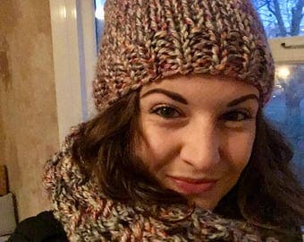 Multicoloured Knitted Hat and Scarf Set