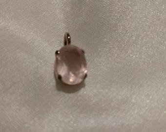 Rose quartz pendant gold