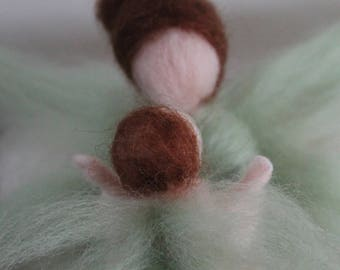 "Green fairy and elongated baby cloud ""Koumoulenn Mamm"" woolen Waldorf Steiner"