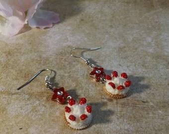 Kawaii Strawberry tart earring