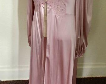 """1960's Vintage Pink """"Vanity Fair"""" Peignoir"""