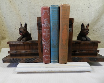 Vintage wooden Scottie Bookends
