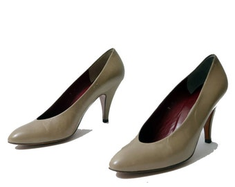 Vintage Evan Picone Shoes// Made in Spain Taupe Pumps// Size 8M // 133