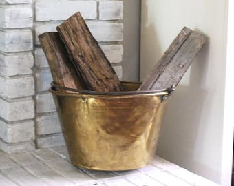 Antique Brass Bucket, 1800s Cooking Pot, American Brass Kettle Manufacturers, Primitive Rustic Home Decor, Firewood Storage, Iron Handle