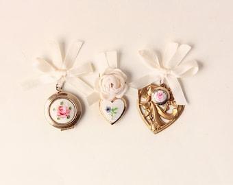 Bridal bouquet locket, Golden locket charm, Remembrance photo locket charm, Upcycled vintage locket, Gold Flower Bouquet charm, Wedding gift