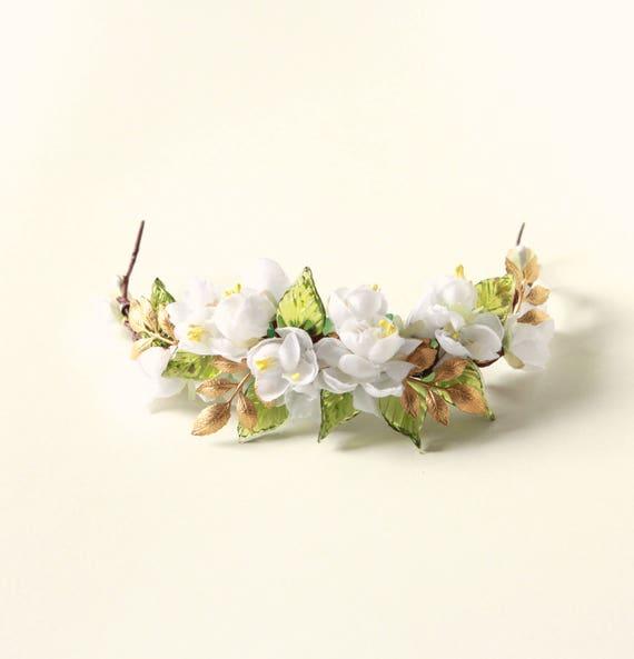 Floral hair vine, Bridal headpiece, Woodland leaves, White flower hair accessory, Bridal hair, Gold leaf flower, Floral hair vine