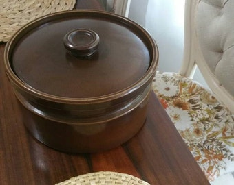 Retro Vintage Wedgwood Brand big 2ltr Brown Casserole Dish Oven to Table dinnerwear