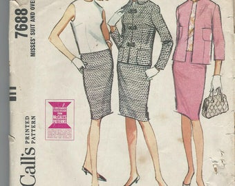 1960's VINTAGE McCALL'S PATTERN Misses Suit & Over blouse 7688 Size 16. Bust 36