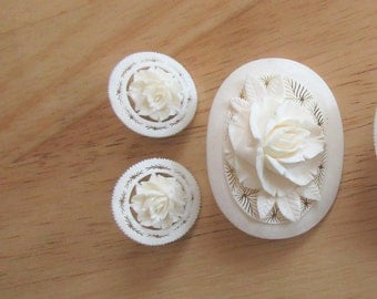 Lg Carved Plastic Or Celluloid 3-D FLORAL PIN & Earrings LOT-Vintage