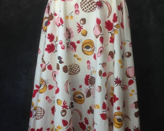 "Vintage 1950's novelty fruit print circle skirt red pink yellow brown 28"" 29"" waist"