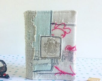 Cardholder 30 pockets antique and vintage fabrics