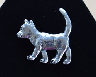 Cute Silver tone Cat Brooch, PIn, Metal, Vintage, Animal (AJ2)