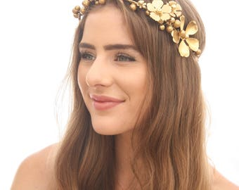 Gold Wedding Flower Crown of Gold Metal Flowers and Golden Berries and Pearls Bridal Gold Flower Wreath Photo Prop Engagement Picture Halo
