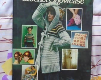 Woman's Day Crochet Showcase VTG 1980's Craft Instruction hardcover
