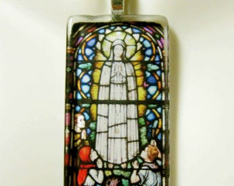 Our Lady of Fatima stained glass window pendant with chain - GP01-390