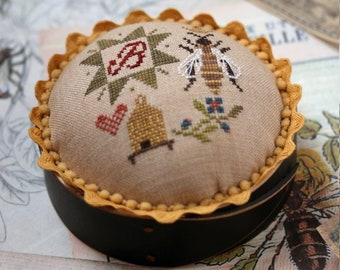 Queen Bee Pincushion : Cross Stitch Pattern by Heartstring Samplery