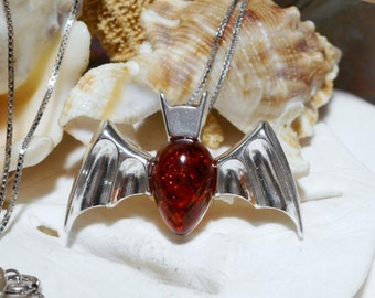 "Sterling Silver and Amber Bat Necklace w 20"" Box Chain 5.05g"